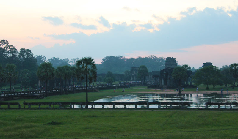 The-famous-pond-in-front-of-Angkor-Wat