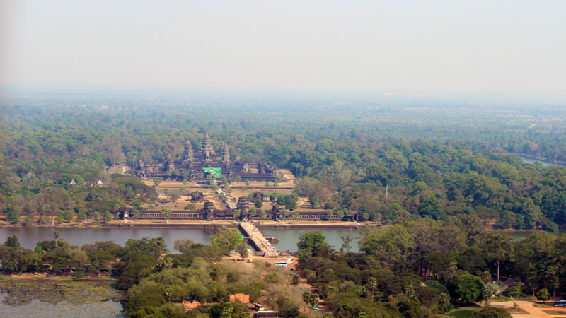 The-gigantic-Angkor-Wat-from-distance-and-height