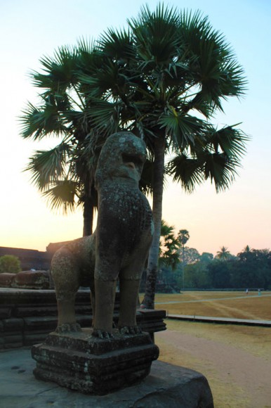 The-lion-guard-at-Angkor-Wat